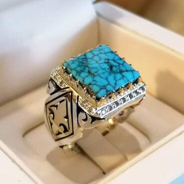 انگشتر فاخر فیروزه نیشابوری و مخراج شده با الماس