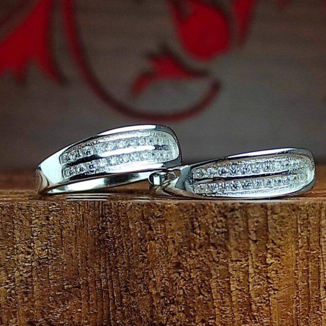 انگشتر جواهری نقره با نگین اتمی